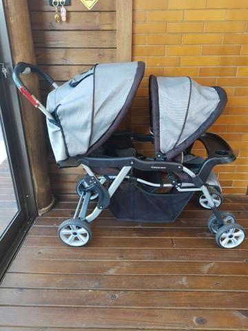 Carrinho de bebê para gêmeos - Foto 2