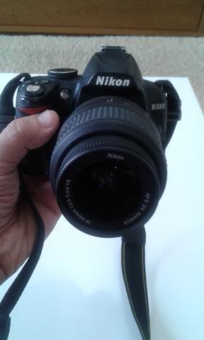 Camera Digital Nikon D3000 linda