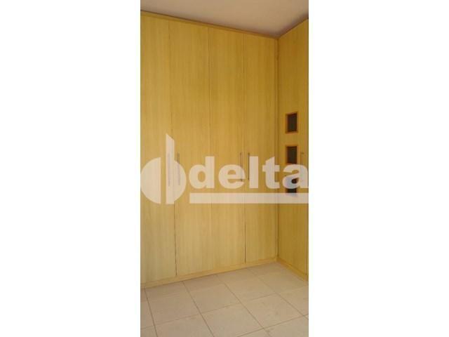 Apartamento para alugar com 3 dormitórios em Saraiva, Uberlândia cod:605513 - Foto 6