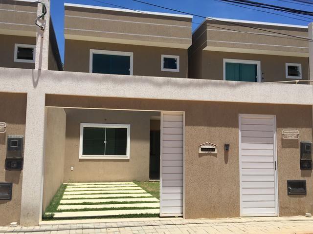 Casa solta 4/4, 2 suítes, embaixo ao lado escola perfil vilas