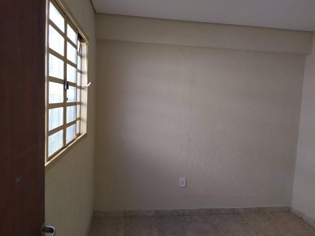Vendo casa escriturada de 3 quartos na 102 do Recanto das Emas. - Foto 8