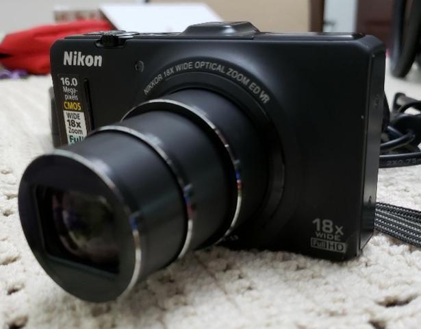 Camera Nikon Coolpix S9300