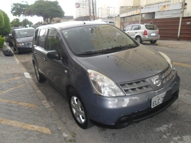Nissan Livina S 1.8 flex automática 2010