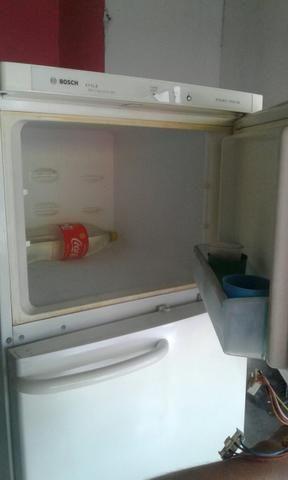 Vendo essa geladeira de duas portas gelo seco - Foto 2