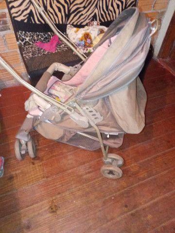 Carrinho de bebe menina - Foto 2