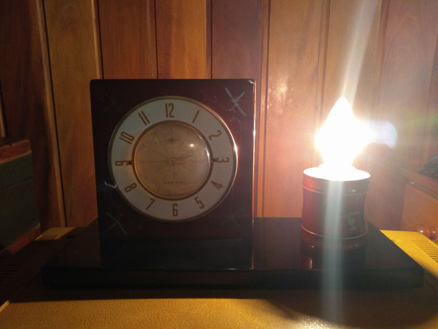 Relógio de cabeceira anos 30 funcionando !!!
