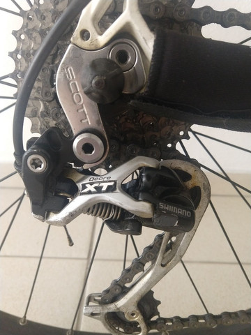 Bicicleta Scott + capacete Specialized - Foto 2