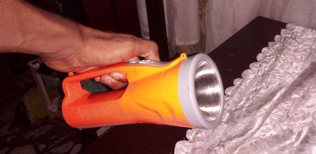 lanterna muto forte e com bateria recarregável  - Foto 3