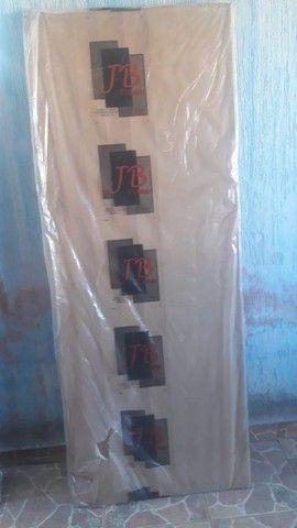 Vendo Portas Novas e Grade completa - Foto 2