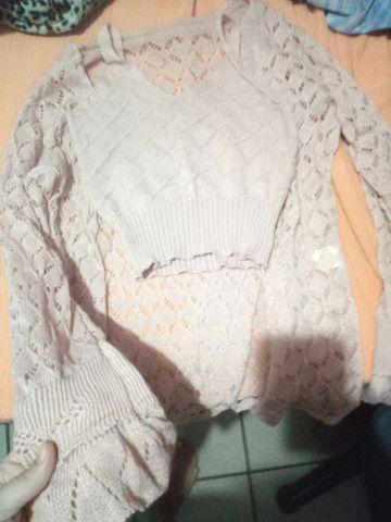 Vendo cardigan com top Cropped de tricô ( novo) - Foto 2