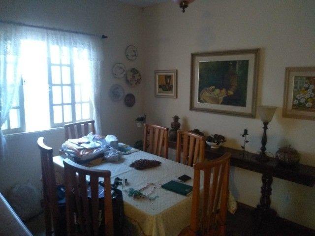 Casa com três dormitórios numa área de 720 m2 em Bairro nobre de São Lourenço-MG. - Foto 9