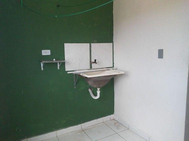 Alugo casa 3 quartos . 600 reais - Foto 4