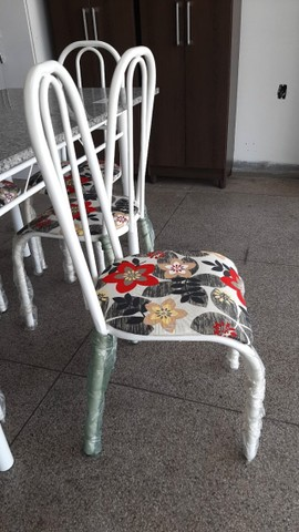 Mesa de Granito com 4 cadeiras - Foto 5