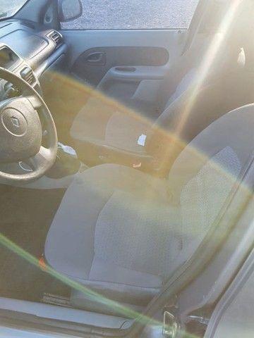 Clio Sedan Expression 1.0 16v 2005/2006 - Foto 5
