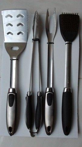 kit churrasco 4 peças Inox barbecue (novo na caixa/sem uso) - Foto 4