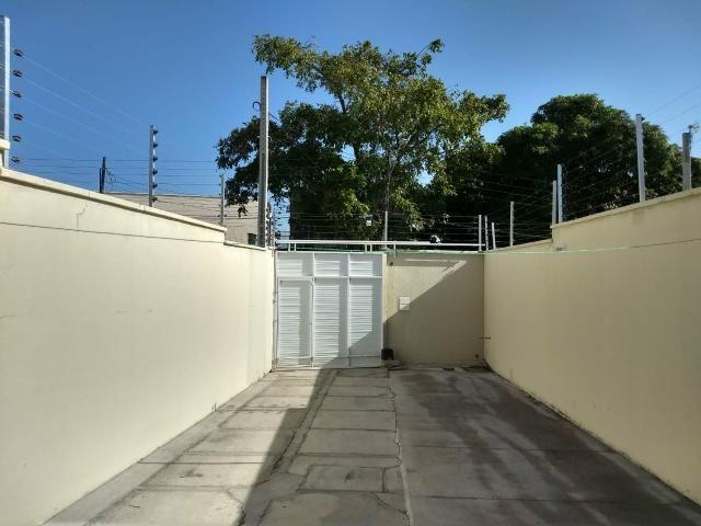 Casa com móveis planejados 3 suítes 4 vagas - Foto 3