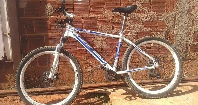 Bicicleta boa zerada 800$