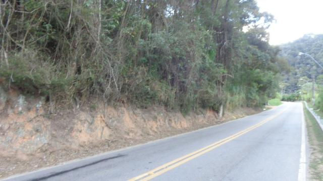 Sítio Itaipava medindo 63.000m² grande frente para estrada asfaltada - Foto 17