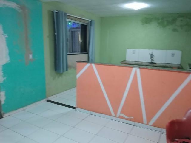 Kit Net para alugar, de um quarto cozinha e sala casa toda no blindex recém reformada - Foto 4