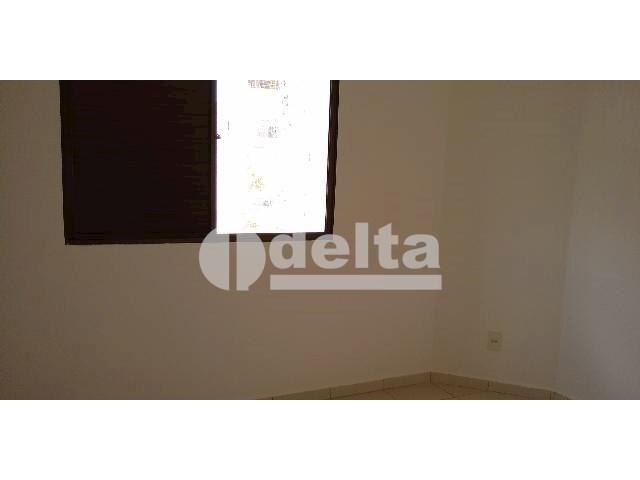 Apartamento para alugar com 3 dormitórios em Saraiva, Uberlândia cod:605513 - Foto 8