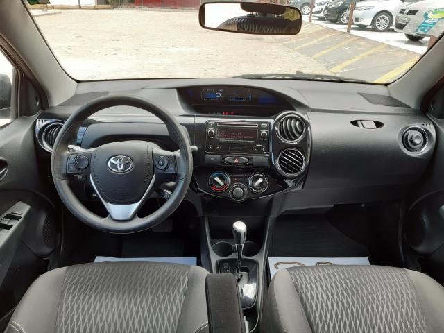Toyota Etios XS 1.5 Automático 16/17 - Troco e Financio!! - Foto 9
