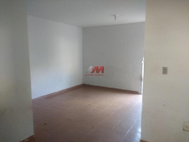 Casa 3 quartos sendo uma suíte - cristo rei - Foto 6
