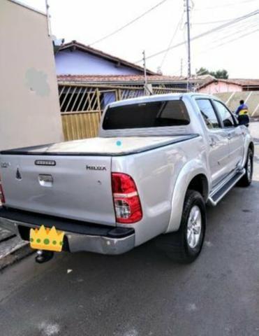 Camionete Toyota Hilux 2.7 cd srv 2012 automatica - Foto 2