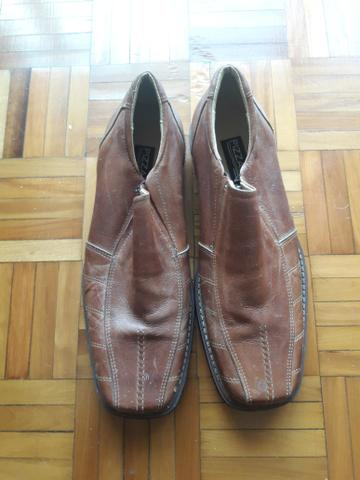 Sapato de couro tam 44