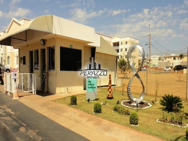 ACEITA FINANCIAMENTO! Vende-se ótima casa de 3 quartos no Jardins Mangueiral na QC 08. Por