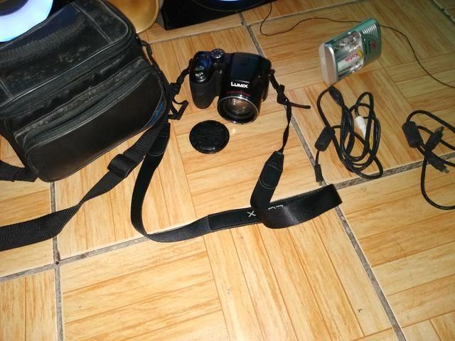 """Estou vendendo uma máquina fotográfica da marca """"lumix"""" - Foto 3"""
