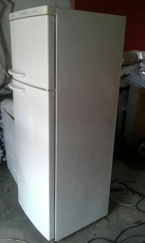 Vendo essa geladeira de duas portas gelo seco - Foto 3