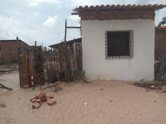 Vendo este terreno já com uma casa - Foto 2