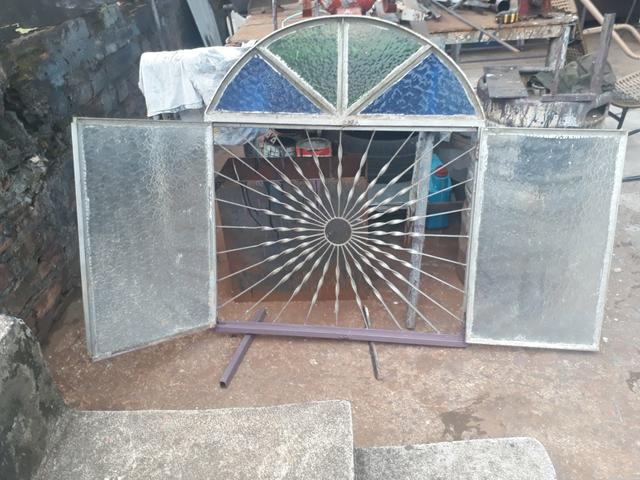 Grade janela com vidros - Foto 2