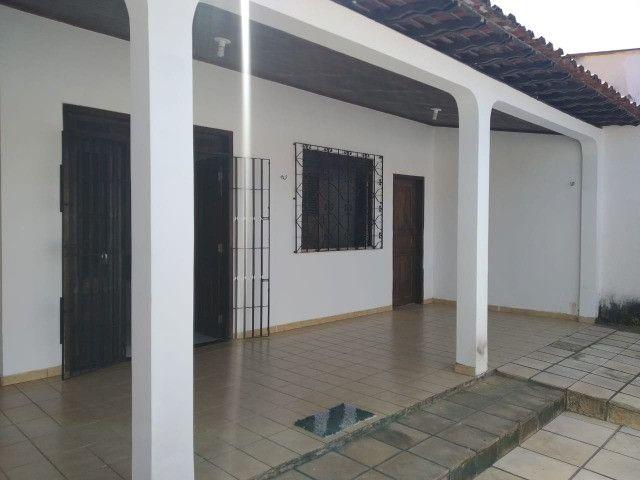 Casa no Cohatrac próximo do Supermercado Mateus e Shopping - Foto 2