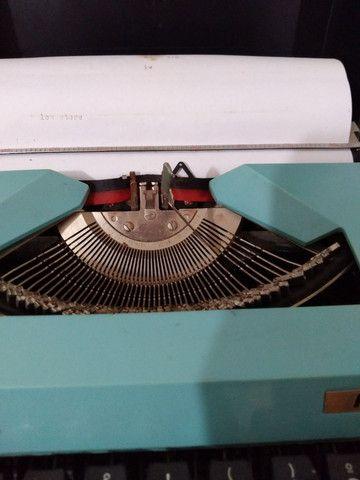Máquina de escrever antiga  - Foto 5