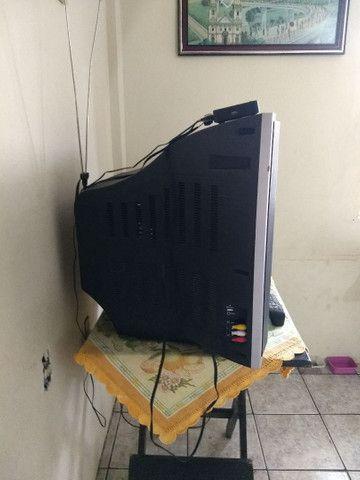 Televisão de tubo grande para retirada de peça - Foto 2