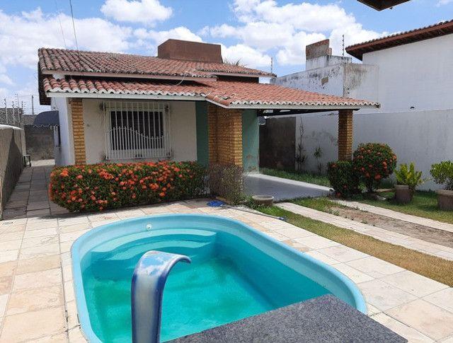 Aluga-se casa no alto com 3/4 com piscina - Foto 7