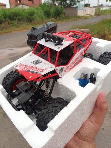 Carro de controle Tração 4X4 Bateria Recarregável - Foto 3