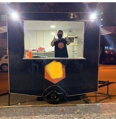 OPORTUNIDADE : Vendo trailer com ponto na praça do skate