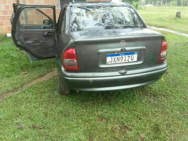Vendo ou troco carro corsa 16V  - Foto 4