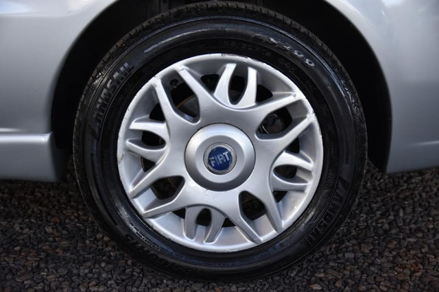 FIAT SIENA 1.8 MPI HLX 8V FLEX 4P MANUAL - Foto 4