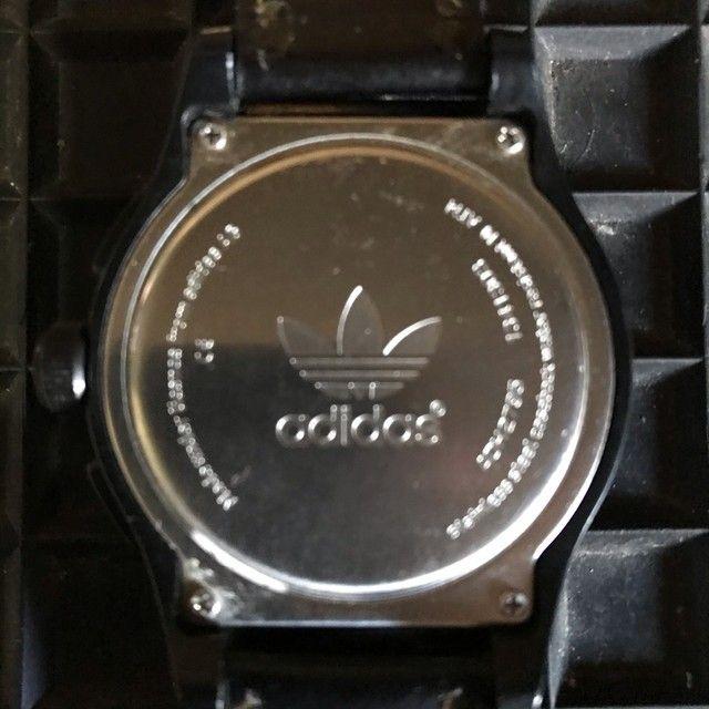 Relógio Adidas pulseira em Couro. - Foto 3