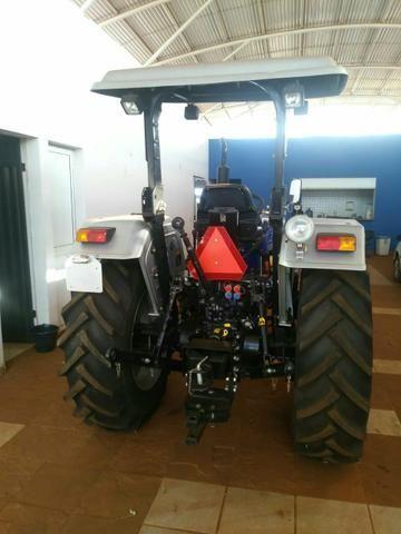 Trator Farmtrac