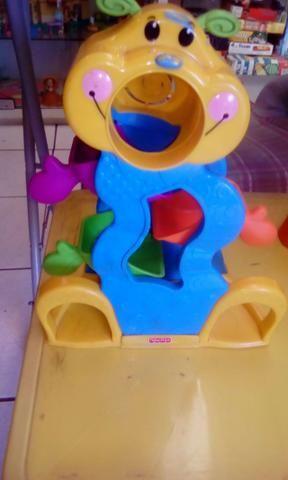 Lote brinquedos fisher price e outros