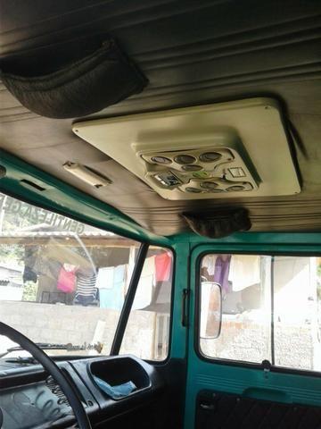 Caminhão bau 608 ano 78