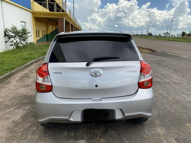 Toyota Etios, completo controle de som no volante, automático, multimídia, carro novo - Foto 4
