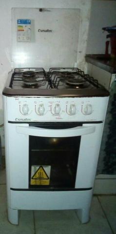 Fogão smaltec 4 boca forno bom