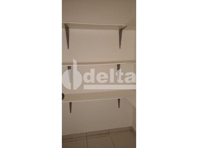Apartamento para alugar com 3 dormitórios em Saraiva, Uberlândia cod:605513 - Foto 13