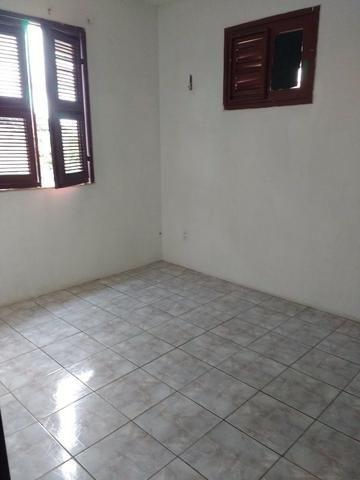 Aluguel de apartamento no Montese, condomínio Castelo Branco 340 Bloco D Apt 201