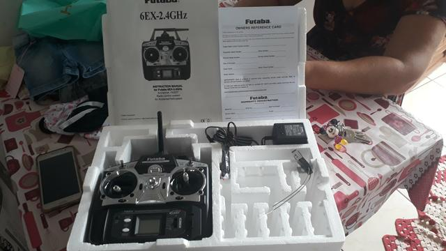 Controle futaba 6EX canais 2.4Ghz - Foto 2